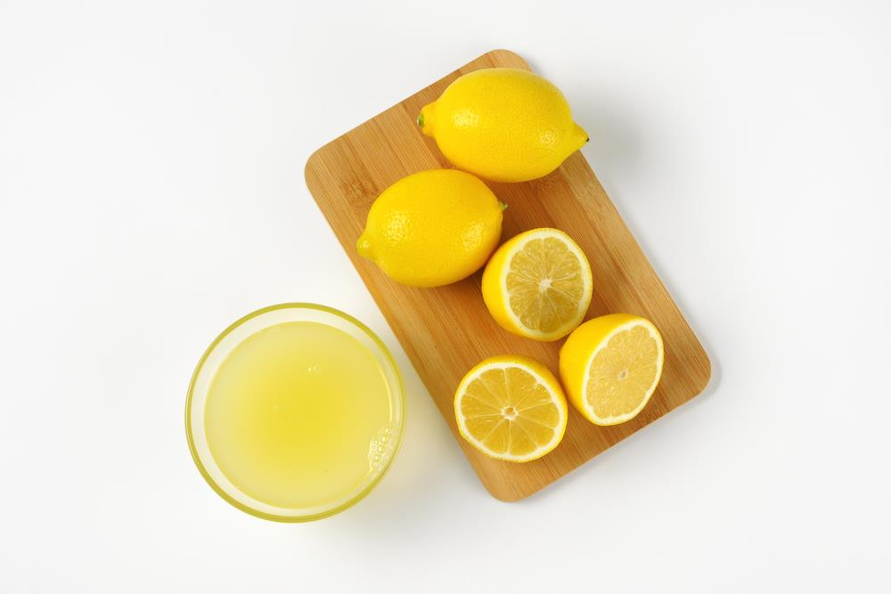 Lemon essential oils for sore throat