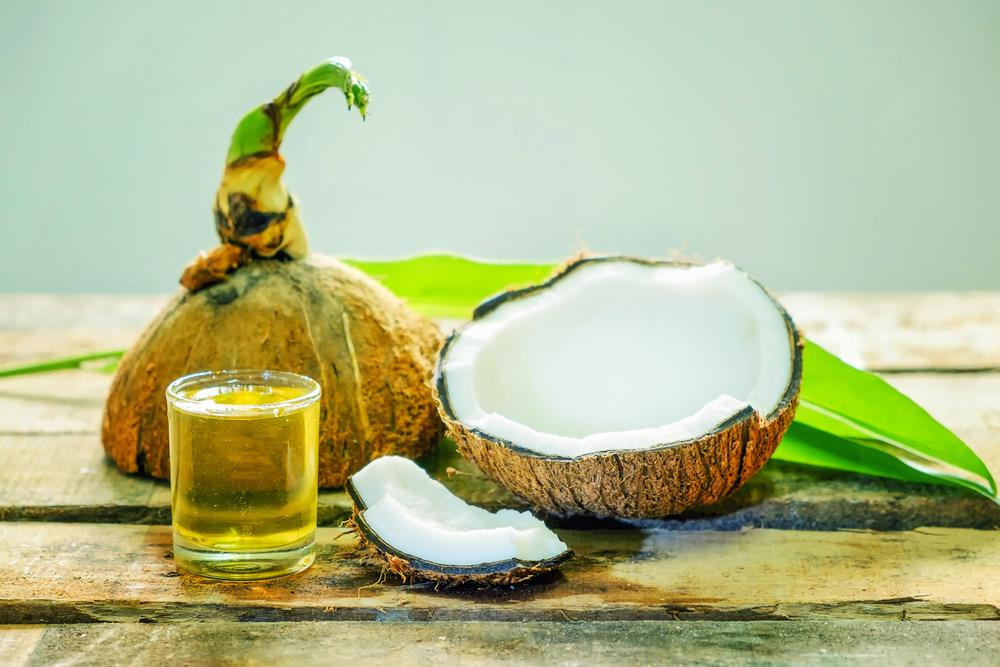 10 Amazing Benefits of Coconut Oil for Hair