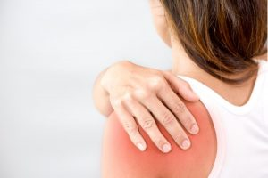 pain between shoulder blades